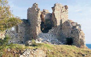 Τμήμα των τειχών του Κάστρου Λυκούργου Λογοθέτη έχει καταρρεύσει.