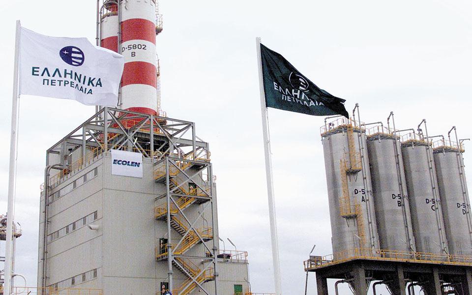 Στη βελτίωση της υφιστάμενης δραστηριότητας με την παραγωγή καθαρότερων καυσίμων και στη μείωση του περιβαλλοντικού αποτυπώματος των διυλιστηρίων και της ενεργειακής κατανάλωσης στοχεύουν τα ΕΛΠΕ.