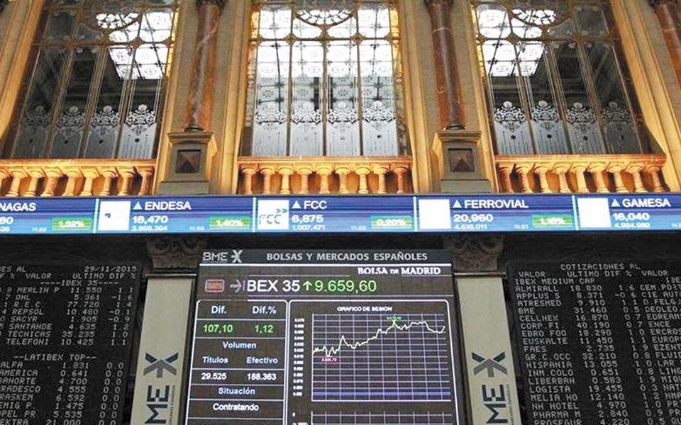 Από τις ώριμες αγορές τη μεγαλύτερη άνοδο, 3,38%, σημείωσε ο IBEX στη Μαδρίτη.