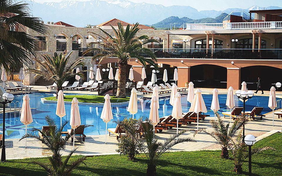 Τα ξενοδοχεία, που κυριάρχησαν τα προηγούμενα χρόνια, αλλά και τα εμπορικά κέντρα, έρχονται σε δεύτερη μοίρα.