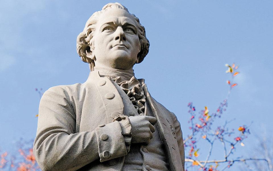 Aγαλμα του Αλ. Χάμιλτον στο Σέντραλ Παρκ της Νέας Υόρκης (φωτ. A.P.).