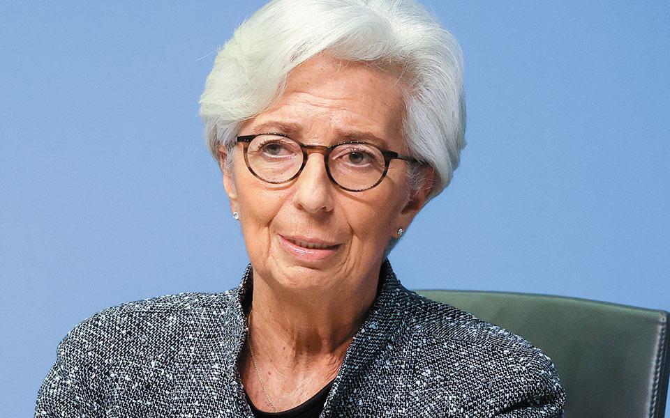 Η επικεφαλής της τράπεζας Κριστίν Λαγκάρντ υποστήριξε πως «η δουλειά της ΕΚΤ είναι να κρατάει το κόστος δανεισμού των νοικοκυριών, των επιχειρήσεων και των κυβερνήσεων σε χαμηλά επίπεδα».