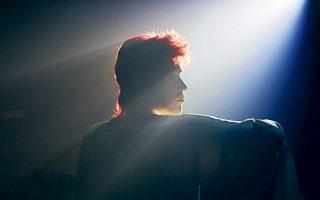Από τις ξένες ταινίες, το «Stardust», το βιογραφικό φιλμ πάνω στον Ντέιβιντ Μπόουι και στην «εφεύρεση» του θρυλικού Ziggy Stardust.