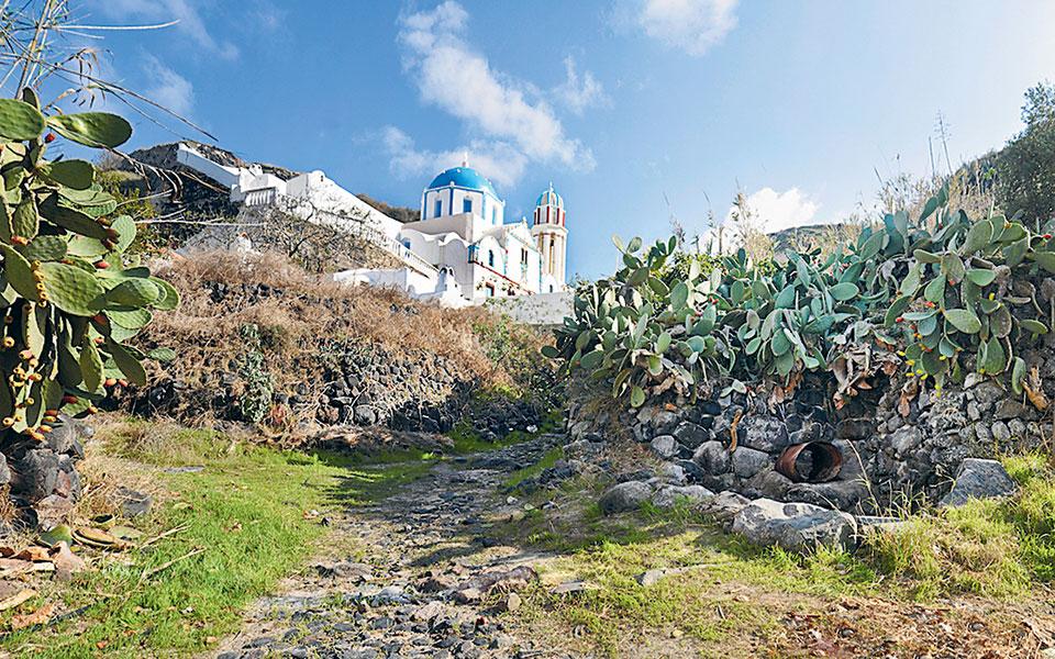 Ο ναός των Εισοδίων της Θεοτόκου, στην Αγριλιά (φωτ. ΑΝΝΑ ΖΑΧΑΡΑΚΗ).