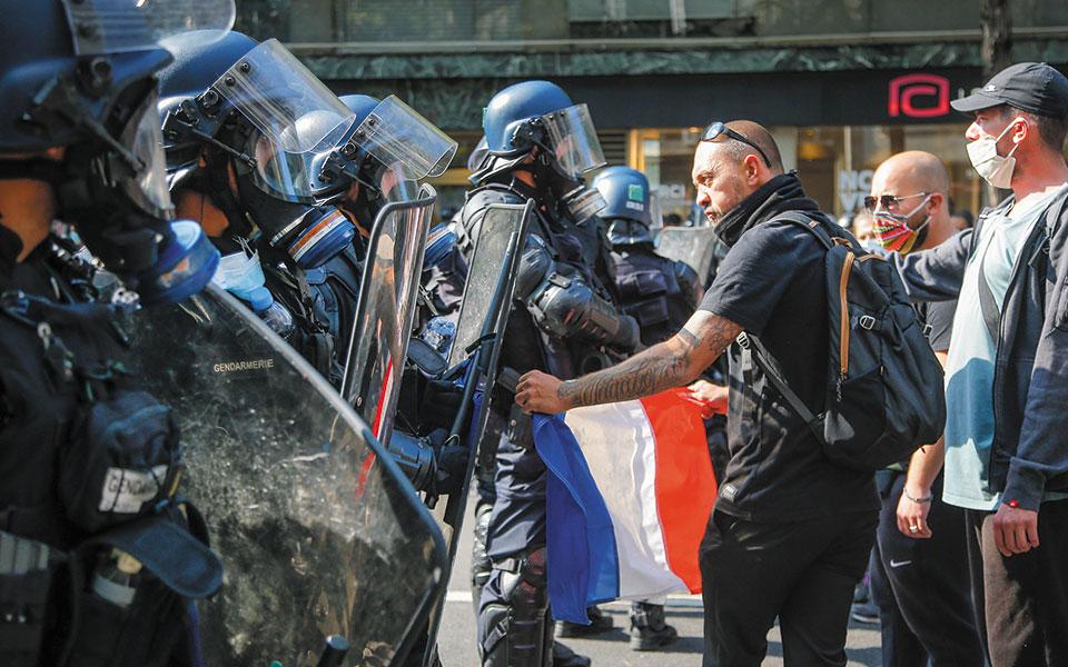 Τους τελευταίους μήνες, πολλά κρούσματα αστυνομικής βίας είχαν απασχολήσει τα μέσα ενημέρωσης στη Γαλλία (φωτ. Α.Ρ.).
