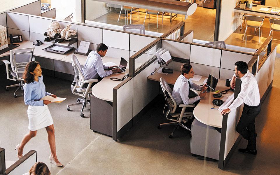 Κερδίζει έδαφος και στην ελληνική αγορά γραφείων η χρήση ευέλικτων χώρων εργασίας. Είναι διαθέσιμοι για επιχειρήσεις και ελεύθερους επαγγελματίες, από μερικές ώρες μέχρι και ολόκληρο χρόνο, και για μία θέση εργασίας μέχρι και για εκατοντάδες (φωτ. Shutterstock).