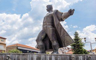 Μνημείο προς τιμήν του Γκότσε Ντέλτσεφ στην πόλη Στρούμιτσα της Βόρειας Μακεδονίας. SHUTTERSTOCK