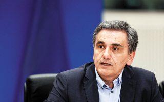 «Ο πειρασμός θα είναι μεγάλος, γιατί ο κ. Μητσοτάκης έχει αρχίσει να καταλαβαίνει ότι ο χρόνος δουλεύει πλέον εις βάρος του», λέει ο κ. Τσακαλώτος σχετικά με το ενδεχόμενο ο πρωθυπουργός να προσφύγει σε πρόωρες εκλογές. EPA / ALEXANDROS VLACHOS