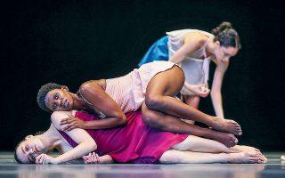 Παγκόσμια πρεμιέρα της ομάδας χορού Batsheva Dance Company.