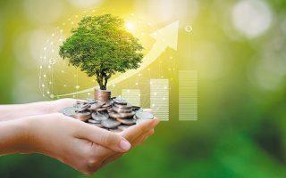 Οι «πράσινες» επενδύσεις θα απορροφήσουν 6,2 δισ. ευρώ, ενώ για ιδιωτικές επενδύσεις και για έργα με αντικείμενο, μεταξύ άλλων, την αύξηση της απασχόλησης θα διατεθούν 14,3 δισ. ευρώ.