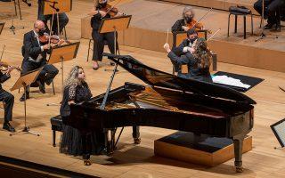 Πιανίστρια με μεγάλες ευκολίες, η Θεοδοσία Ντόκου ερμήνευσε το Τρίτο Κοντσέρτο για πιάνο του Μπετόβεν. (Φωτ. Μαρια Γραμματικου)