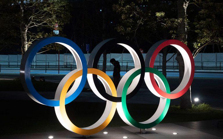 olympiakoi-agones-me-maskes-kai-koinonikes-apostaseis-561176014