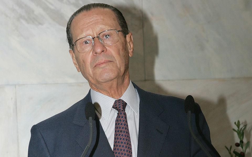 Ο Θεόδωρος Παπαλεξόπουλος.
