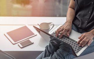 Οι πάροχοι υπηρεσιών πρόσβασης στο Διαδίκτυο θα ενημερώνουν τους συνδρομητές των σταθερών δικτύων για τις ρεαλιστικά αναμενόμενες ταχύτητες της σύνδεσής τους, και όχι μόνο για τις ονομαστικές και διαφημιζόμενες (φωτ. Shutterstock).