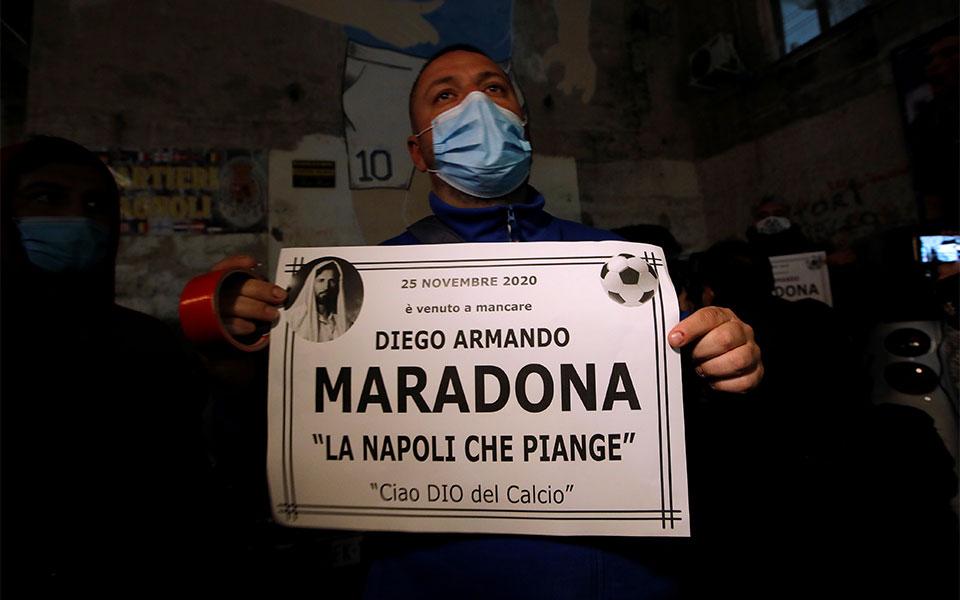 itan-ena-symvolo-o-iroas-mas-thrinos-sti-napoli-gia-ton-marantona0