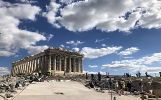 oles-oi-apantiseis-gia-tis-diadromes-stin-akropoli0