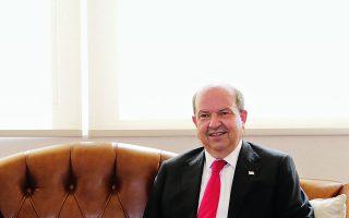 Ο κ. Ερσίν Τατάρ, μιλώντας στην «Κ», οριοθετεί στην ουσία τις νέες κόκκινες γραμμές της τουρκοκυπριακής πλευράς.  Φωτ. EPA / TURKISH PRESIDENT PRESS OFFICE