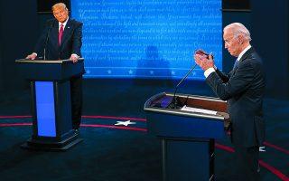 Ο Τζο Μπάιντεν, σε περίπτωση εκλογής του, αναμένεται να οδηγήσει τις ΗΠΑ ξανά στις τάξεις του Παγκόσμιου Οργανισμού Υγείας και γενικότερα να αλλάξει τη στρατηγική της απομόνωσης που ακολούθησε ο Ντόναλντ Τραμπ. Φωτ.A.P.