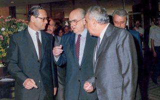 Με την ιδιότητα του επικεφαλής του ΣΕΒ, το 1985, με τον τότε πρωθυπουργό Ανδρέα Παπανδρέου.