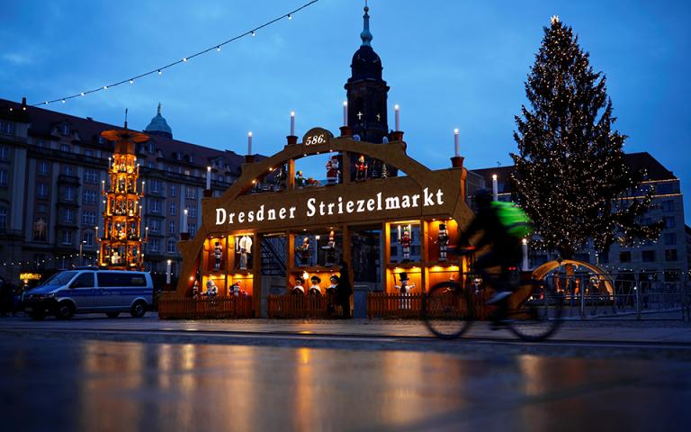 Σε καθολικό lockdown η Γερμανία