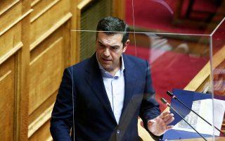 «Δεν είναι αλήθεια ότι επί μήνες θαυμάζατε τον εαυτό σας για την πρώτη φάση αντί να θωρακίσετε το ΕΣΥ, αντί να δώσετε τη δυνατότητα για δωρεάν τεστ σε όλο τον πληθυσμό;», τόνισε ο πρόεδρος του ΣΥΡΙΖΑ απευθυνόμενος στον πρωθυπουργό (φωτ. INTIME NEWS).