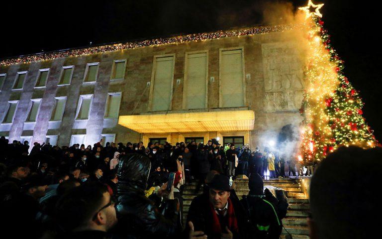 Αλβανία: Οργή και διαδηλώσεις για τον θάνατο 25χρονου από αστυνομικά πυρά
