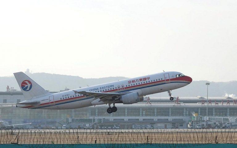 Πάνες προτείνει η Κίνα στους αεροσυνοδούς, κατά του κορωνοϊού
