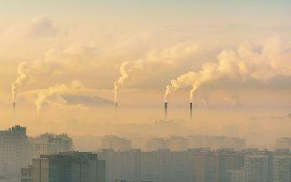 Συνολικά 127 χώρες, υπεύθυνες για το 63% των παγκόσμιων ρύπων, έχουν πλέον δεσμευθεί ότι θα επιτύχουν τον στόχο των μηδενικών ρύπων έως το 2050 ή, στην περίπτωση της Κίνας, «πριν από το 2060». (Φωτ. SHUTTERSTOCK)