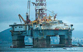 Σχεδόν 150 εκατ. βαρέλια πετρελαίου και των ισοδυνάμων του, τα οποία θα αντλούνταν έως το 2050, θα παραμείνουν κάτω από την επιφάνεια της θάλασσας μετά την απόφαση της δανικής κυβέρνησης.