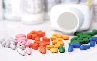 Επανεξέταση των μηχανισμών συνταγογράφησης και εξορθολογισμό στην κατανάλωση φαρμάκων ζητεί ο Σύνδεσμος Φαρμακευτικών Επιχειρήσεων.