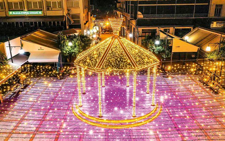Οι πόλεις ανάβουν τα φώτα τους