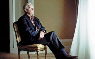 Παρά τα 89 του χρόνια, ο Τζον λε Καρέ ήταν μέχρι το τέλος ανήσυχος και σε συγγραφική φόρμα. Απόδειξη, το τελευταίο του βιβλίο «Ενας έντιμος άνθρωπος».