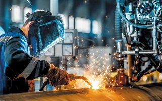 Οι μήνες εξασφαλισμένης παραγωγής υποχώρησαν στους 4,1, με το ποσοστό χρησιμοποίησης εργοστασιακού δυναμικού να διαμορφώνεται στο 72,8% (από 73,9% τον Οκτώβριο).