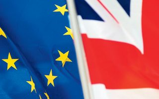 Στο μέτωπο των διαπραγματεύσεων για τη νέα εμπορική σχέση μεταξύ της Ευρωπαϊκής Ενωσης και του Ηνωμένου Βασιλείου στη μετά Brexit εποχή, επικρατεί συγκρατημένη αισιοδοξία για επίτευξη συμφωνίας τις αμέσως επόμενες ημέρες (φωτ. ΕΡΑ).