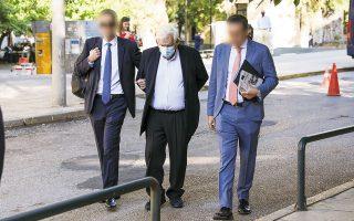 Ο Δημήτρης Κουτσολιούτσος προσέρχεται στα δικαστήρια της Ευελπίδων για να απολογηθεί, τον περασμένο Σεπτέμβριο (φωτ. INTIME NEWS).