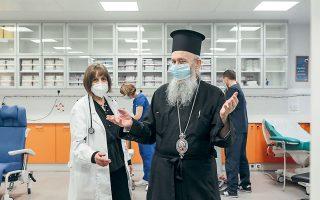 Εκανα το προφανές, λέει ο μητροπολίτης Ναυπάκτου και Αγίου Βλασίου Ιερόθεος, λίγο μετά τον εμβολιασμό του (φωτ. INTIME NEWS).