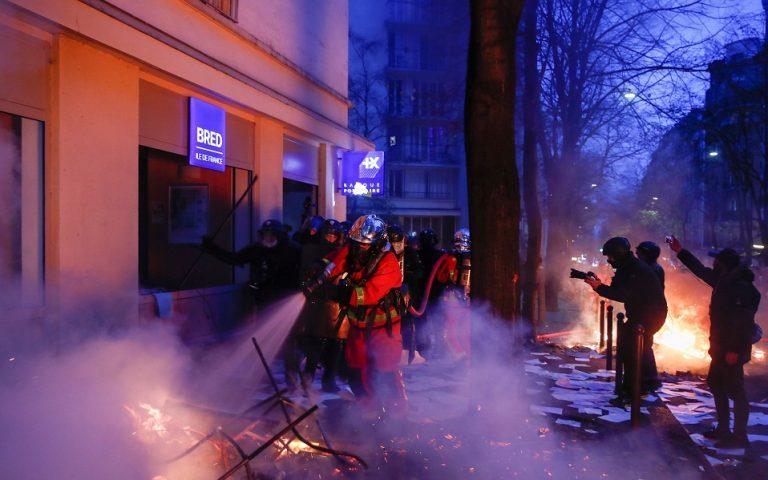 Σοβαρά επεισόδια στο Παρίσι κατά της αστυνομικής βίας