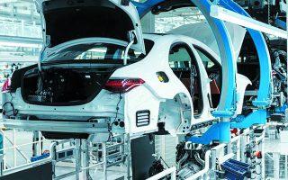 Η Mercedes-Benz στο υπερσύγχρονο εργοστάσιο «Factory 56», που αποτελεί επένδυση ύψους 730 εκατ. ευρώ,  εγκατέστησε δίκτυο 5G, αυτοματοποιώντας ακόμη περισσότερες διαδικασίες παραγωγής.