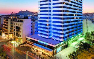 Το ξενοδοχείο President έχει ύψος 68 μέτρων, είναι 22 ορόφων, αποτελείται από 517 δωμάτια, έχει 918 κλίνες και διαθέτει 197 θέσεις στάθμευσης.