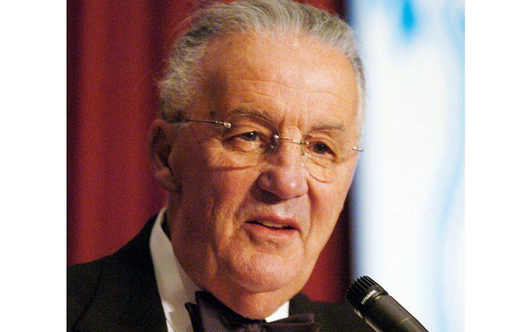 Xρήστος Ζαχαράκις: Φόρος τιμής στον Πολ Σαρμπάνη