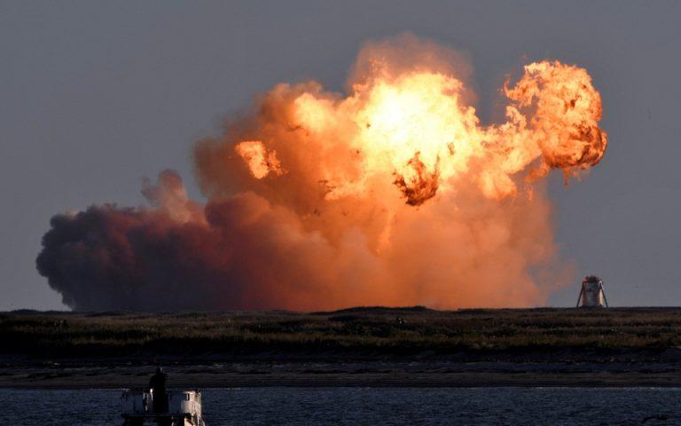 Συνετρίβη το σκάφος της SpaceX κατά την επιστροφή του (βίντεο)