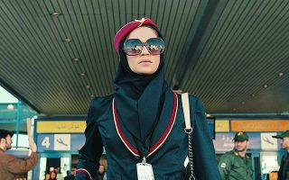 Η Νιβ Σουλτάν πρωταγωνιστεί στη σειρά «Tehran» της Apple TV