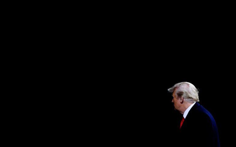 Ο Τραμπ υπογράφει σωρηδόν εντολές εκτελέσεως θανατοποινιτών