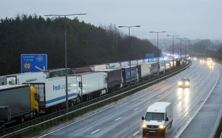 Βρετανία – Γαλλία: Σχέδιο για την επανεκκίνηση των εμπορευματικών μεταφορών