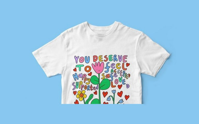 T-shirts από την Positive East και καλλιτέχνες για τη στήριξη όσων ζουν με HIV