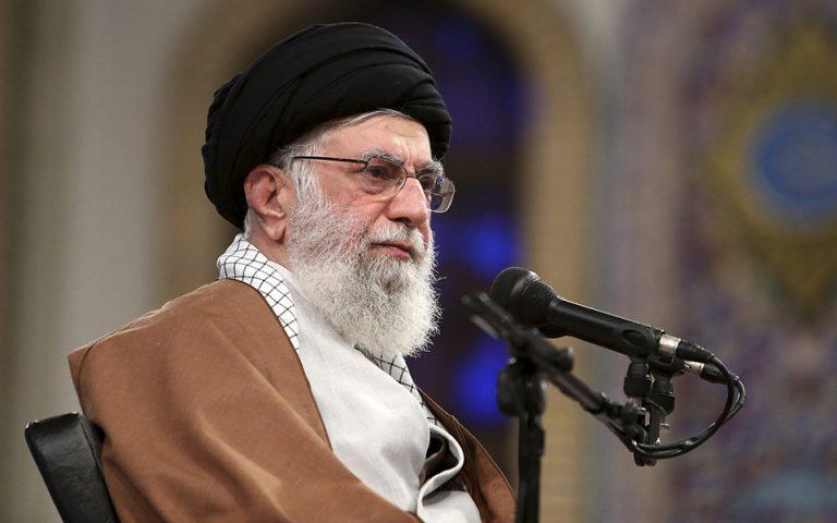 Διαψεύδουν τις φήμες για την υγεία Χαμενεΐ