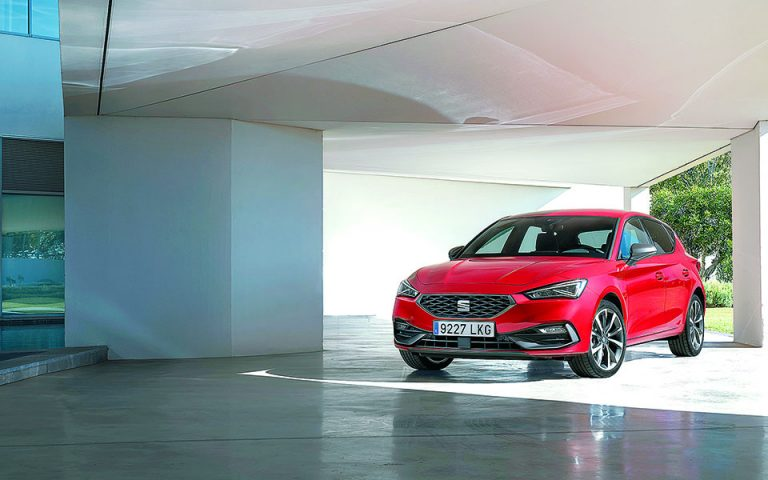 Νέο SEAT Leon e-Hybrid, και επιδόσεις και οικονομία