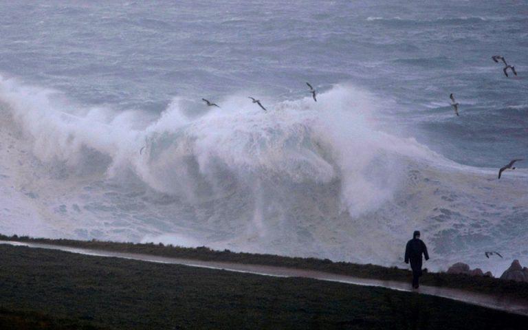 Γαλλία: Χωρίς ηλεκτρικό 18.000 νοικοκυριά λόγω της καταιγίδας Μπέλα