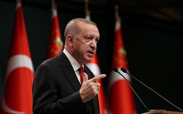 Ερντογάν: Ελπίζω να απαλλαχθεί σύντομα η Γαλλία από το βάρος του Μακρόν