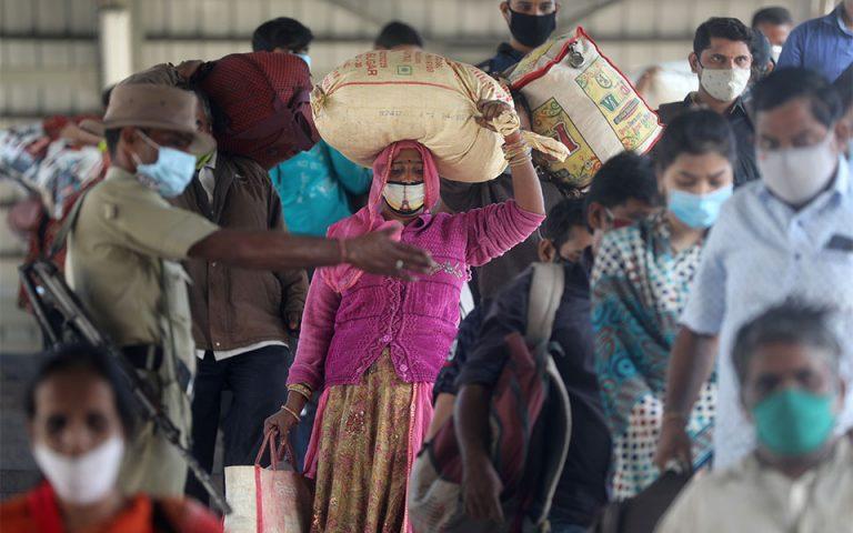 Ινδία: Μυστηριώδης ασθένεια οδηγεί εκατοντάδες στο νοσοκομείο